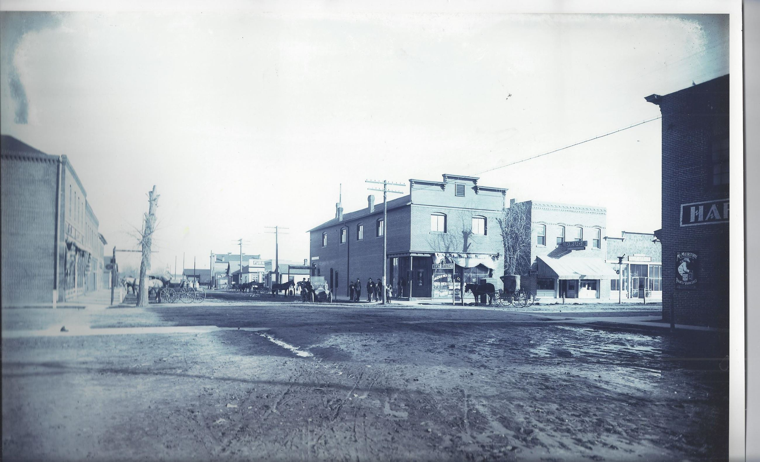 1900's photo of 4th and Denver Ave looking East